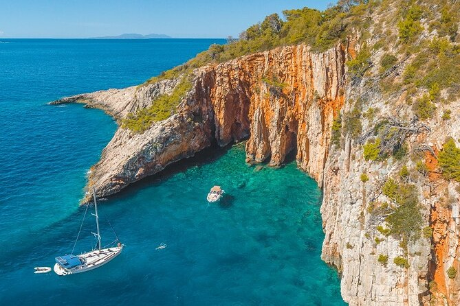 Hvar and Red Rocks - Private boat tour from Split or Trogir