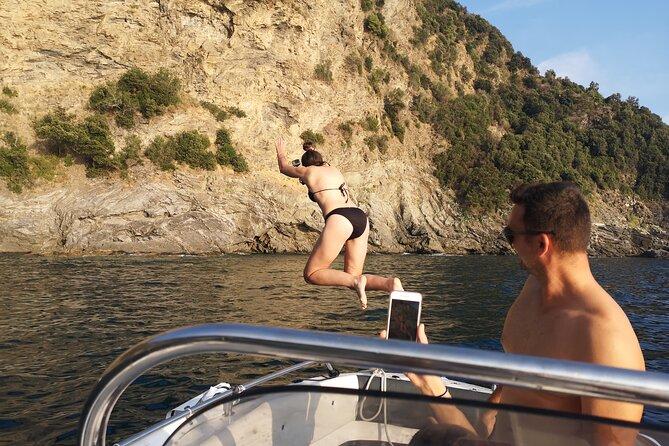 Private Boat Tour to Explore the Cinque Terre from the Sea