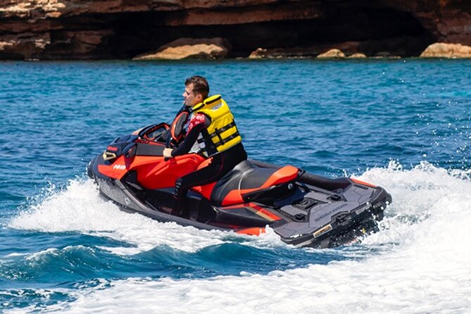 Easy handling of jet skis without certification