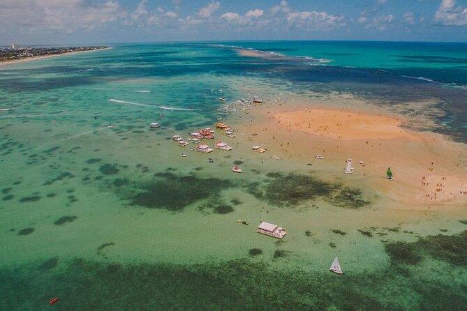 Excursão de Catamarã à Ilha de Areia Vermelha