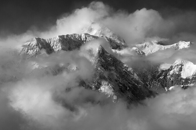 Summit Flight Tour with Glacier Landing from Talkeetna