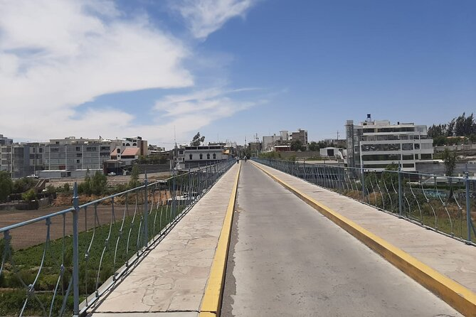 Arequipa, Valley, Viewpoints and Traditional Neighborhoods Half Day