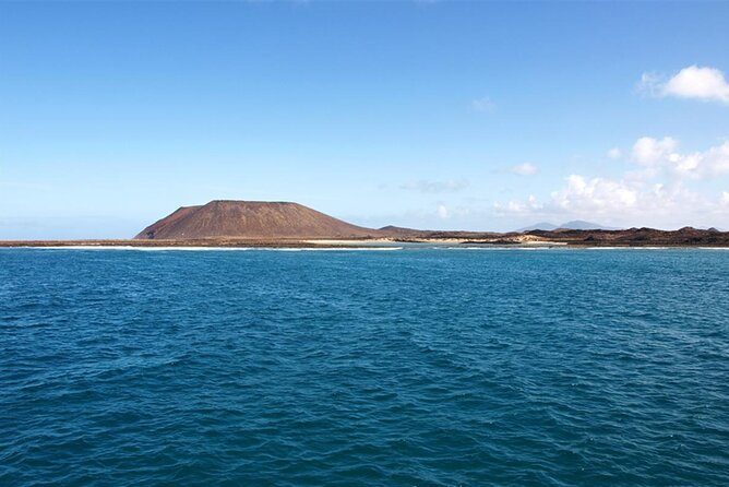 Full Day Trip to Lobos Island From Lanzarote All Inclusive With Water Sports