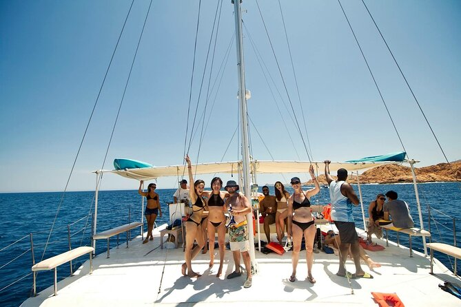 2-Hour Sunset Sailing Trip in Los Cabos