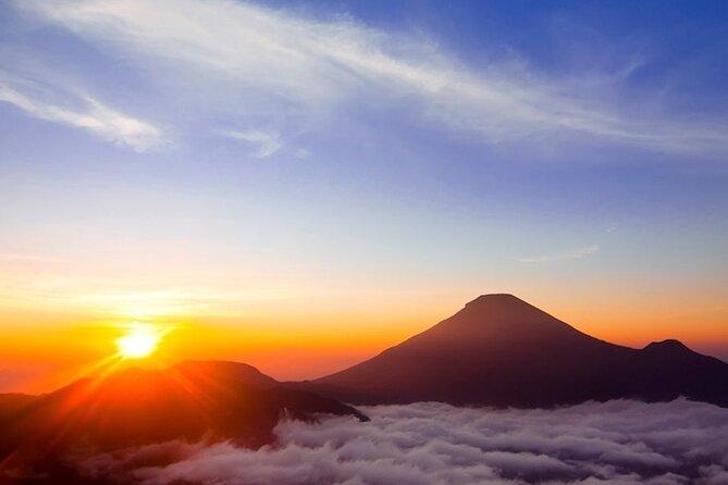 Bali Sunrise Trekking Batur Volcano with Breakfast