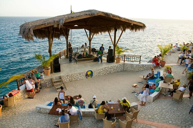 Private Tour from Montego Bay to Negril Beach and Rick's Café