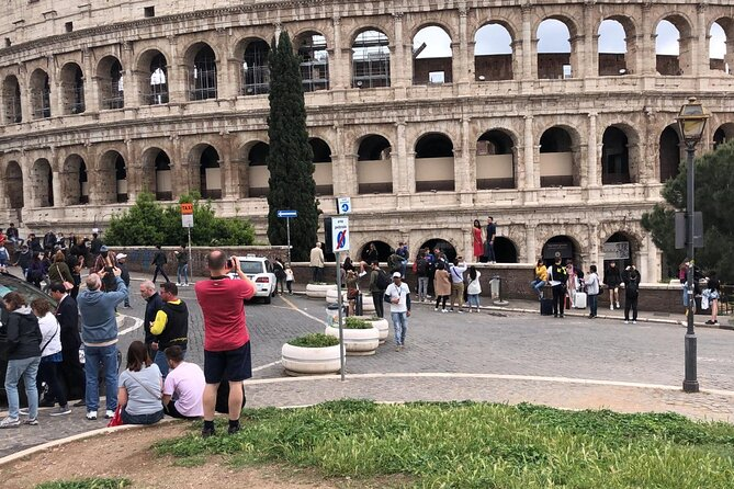 Colosseum and Roman Forum GROUP Tour