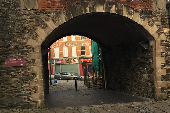 Derrie Danders: A Self-Guided Audio Tour of the Walled City's West