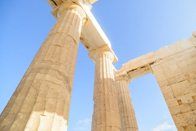 Athens Day Tour-Skip the line: Acropolis, Acropolis museum, Plaka and Local Food
