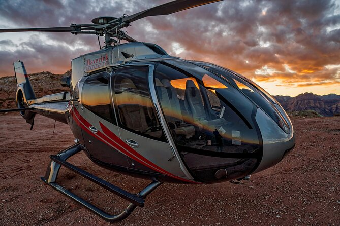 Sunset Red Rock Canyon Helicopter Tour with Landing and Champagne Toast