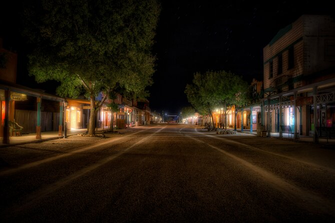Enjoy a spooky evening with Ghost City Tours of Tombstone!