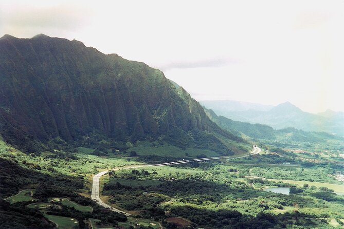 Full-Day Private Tour in South Shore of Oahu with Local Guide