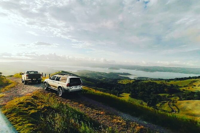 Private Car Shuttle from Santa Elena to Fortuna