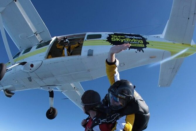 Duck N Dive Combo Sky Diving and White Water Rafting