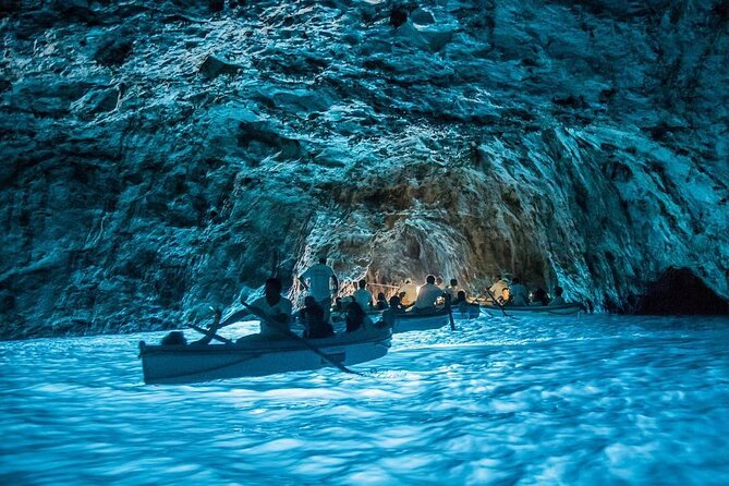 Half Day Private Boat Tour of Capri