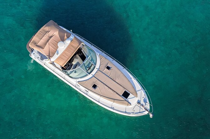 5-Hour Private 38' Yacht Tour to In-Ha reef & La Bocana