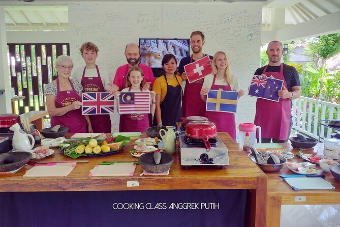 3 Hour Cooking Class Experiences and Lunch at Anggrek Putih Eco Resort in Lombok