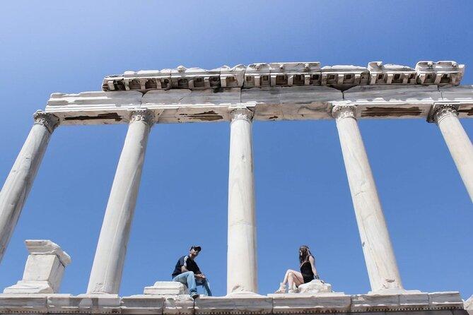 Tour de la Acrópolis y Acslepion de Pergamum con Private Guide y Van from Izmir