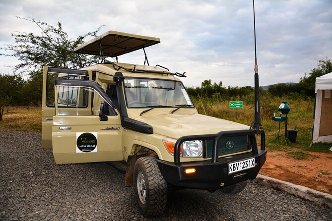 Yuyi Africa safari Land Cruizer.