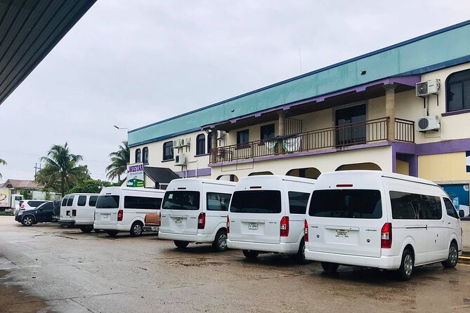 Shared Departure Transfer: San Ignacio Hotels to Belize International Airport