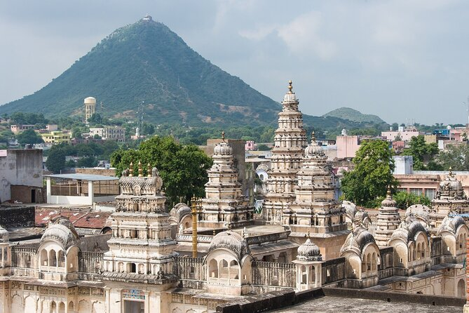 Visit Pushkar & Chittor Fort from Jaipur with Udaipur Drop.