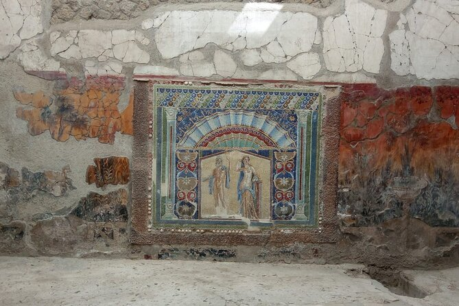 Transfer from Naples to Sorrento with a stop at Pompeii and Mt.Vesuvius(1-8 PAX)