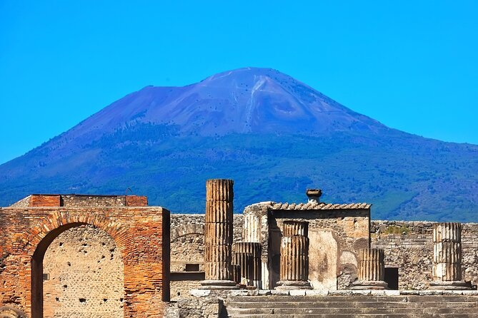 Wine Tour and Tasting in Pompeii