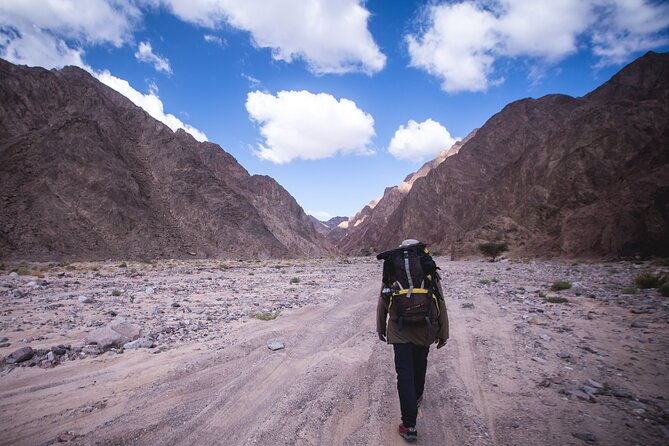 3-Day Small-Group Guided Hiking Expedition in the Sinai Desert
