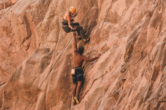 3-Day Expedition in the Sinai Desert Climb Seek and Find