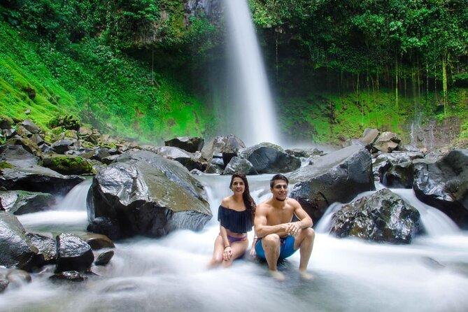 La Fortuna CITYPASS: Hanging Bridges, La Fortuna Waterfall & Volcano Hike