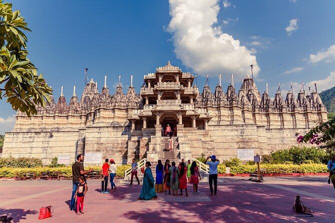 Visit Ranakpur Temple & Kumbhalgarh Fort from Jodhpur with Udaipur Drop