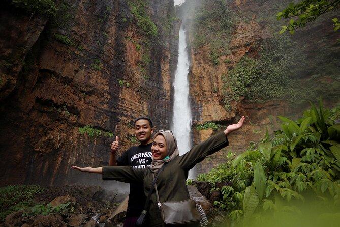 1 Day - Tumpak Sewu, Kapas Biru Waterfall, Goa Tetes cave Tour // 06:00 - 17:00