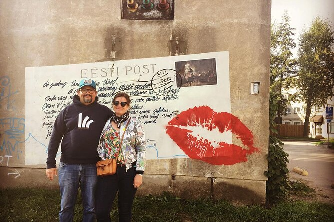 On the 24th of August 2019 we had a very nice street art tour in Tallinn with this couple from Paris, France. The love letter is where we decided to take a picture to have a memory of the experience.