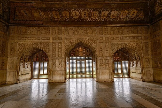 Same Day Taj Mahal at sunrise with Agra Fort and Itmad-u-daulah from Delhi