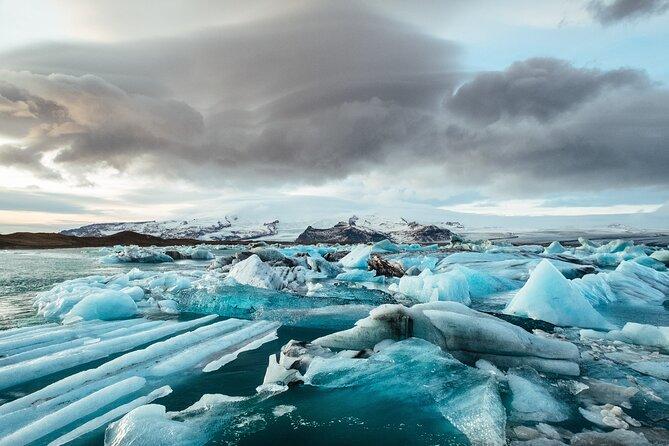 2-Day South Coast and Jökulsárlón Glacier Lagoon Tour from Reykjavík