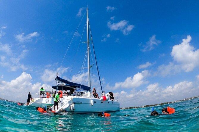 Cancún sailing Catamaran Islas Mujeres with Open bar