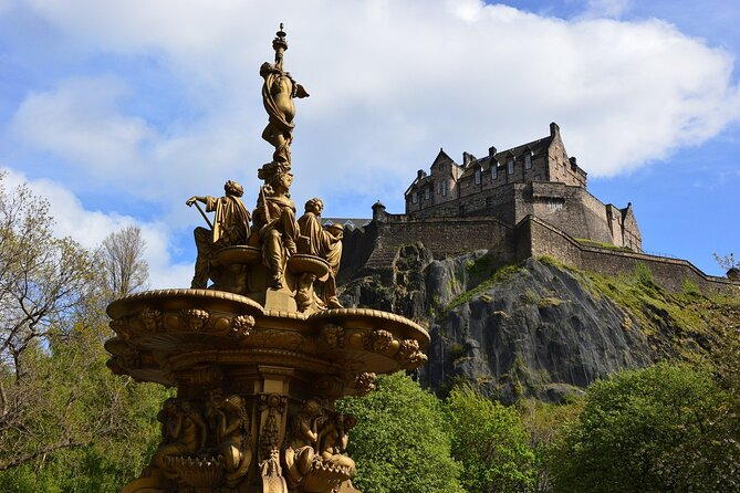 Lonely Planet Experiences: Private Walking Tour of Edinburgh's Highlights
