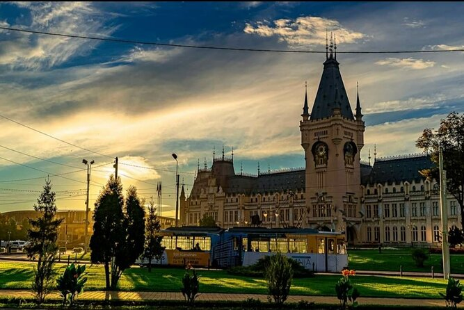 Private Half-Day Iasi City Tour with Lunch