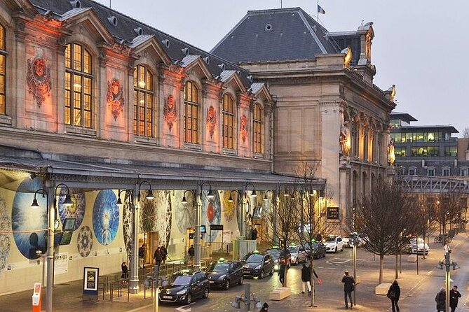 Paris Private Arrival Transfer: Railway Station to Hotel