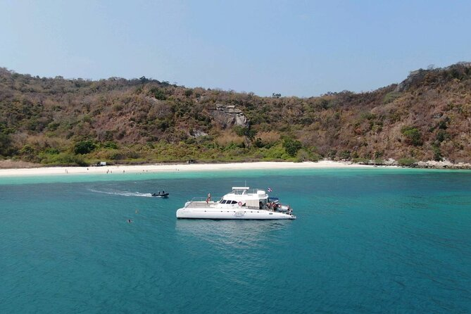 Pattaya Full-Day 3 Tropical Island tour (Snorkeling Cruise with Buffet)