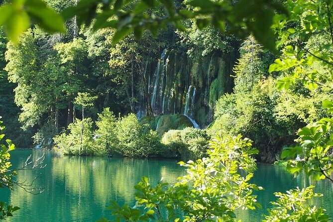 Split to Zagreb or airport Zagreb via Plitvice lakes for singles or couples