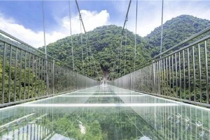 Guangzhou private day tour to World Record skywalk glass bridge and hot spring