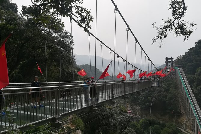 Guangzhou private day tour to experience skywalk glass bridge and hotspring