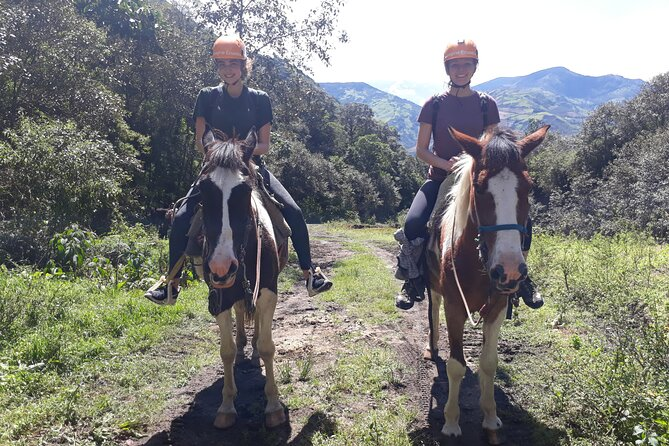2 Hours Small-Group Horseback Riding Experience in Banos