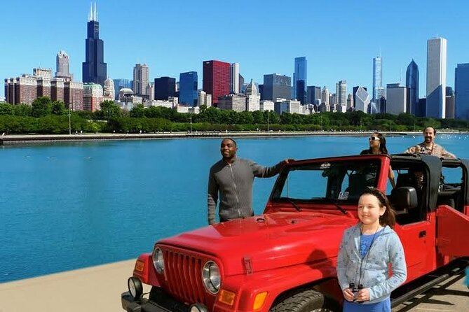 Private Tour of Chicago in Open Air Jeep