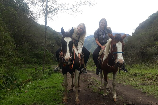 3 Hours Small-Group Horseback Riding Experience in Baños