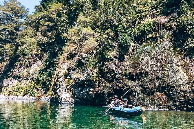 have fun with the hobbit barrel run rafting tour on the pelorus river