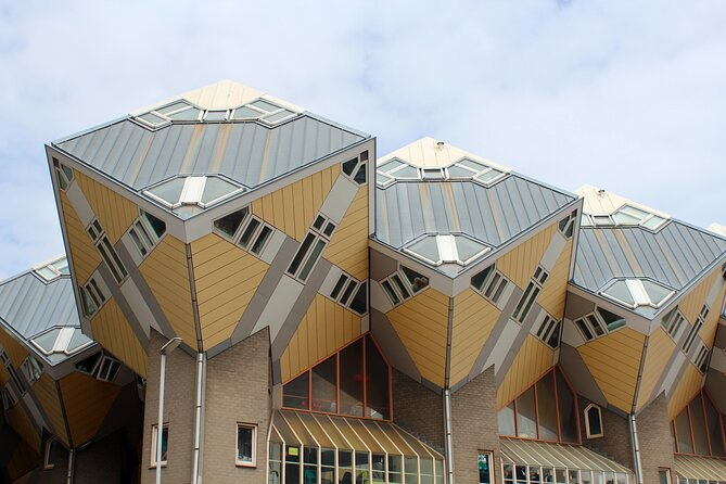 Rotterdam Self-Guided Tour with Scavenger Hunt