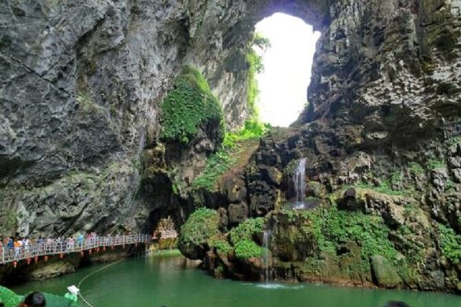 Picturesque Peak Forest and Cave Fairyland private day tour from Guangzhou