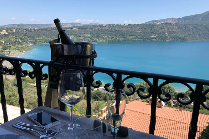 Rome vineyard visit, lakeside lunch with minibus transportation